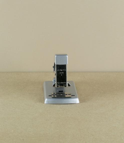 Zenith 520 stapler