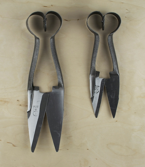 Professional soft squeeze garden and topiary shears, ideal for detailed work or light pruning.Established in 1730, Burgon & Ball moved into its curren..