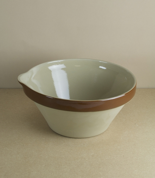 Poterie Renault pouring mixing bowls