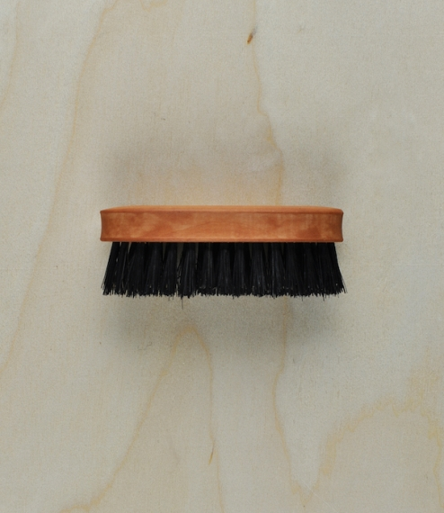 Gentlemen's hair or beard brushes