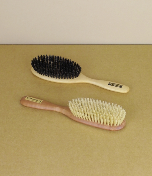 Natural hairbrushes, dark or light bristle