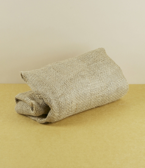 A pack of three of these natural jute open weave leaf composting sacks which are fully biodegradable and safely compostable. Simply filled with damp l..