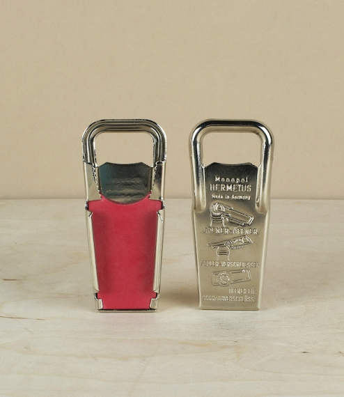 A chrome plated pressed steel bottle opener from Germany which has rather more to it than first impressions might suggest. Not only does this easily r..
