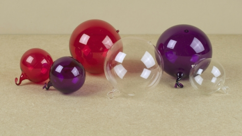 1 red 8cm blown-glass bauble