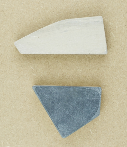 Natural Belgian coticule sharpening stones, either rectangular in shape and approximately 75mmx30mmx20mm - a surface of 22.5cm², or irregularly s..