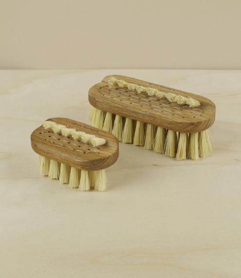 Nail brushes no.1 & no.3, Lovisa