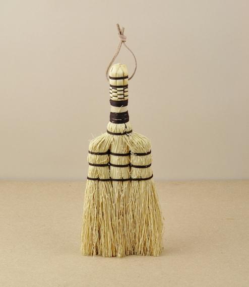 Sorghum hand broom