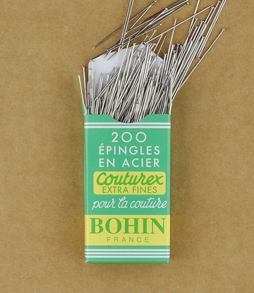 200 French extra-fine pins
