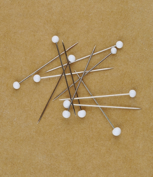 White headed pins (20g or about  200)