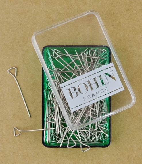 100 French triangular headed pins
