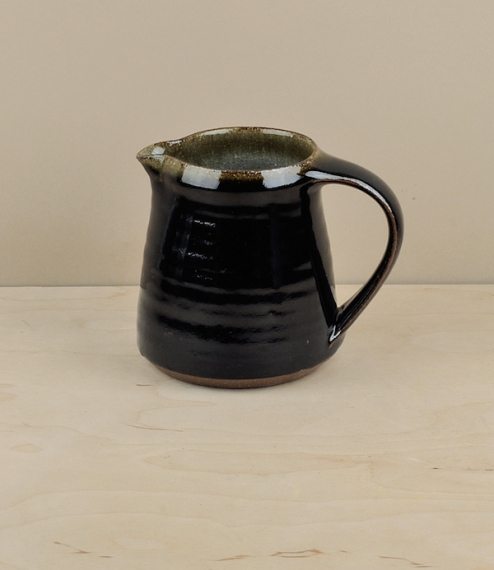 Small jug, black (about 10cm high)