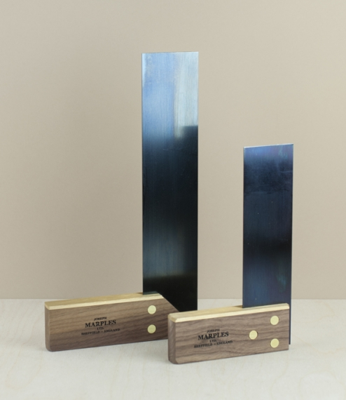 With machined brass faced sustainably forested walnut stocks riveted to tempered blued steel blades, these squares are manufactured to exceed BS3322, ..