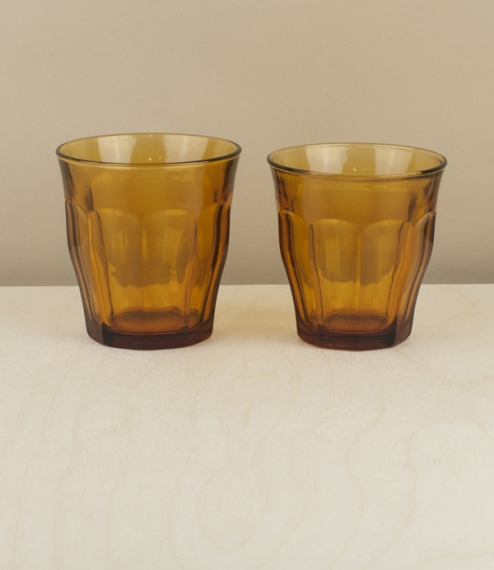 Boxes of 6 of these classic tumblers with an amber twist. First designed in 1927 and produced since 1945 using Saint-Gobain's patented glass tempering..
