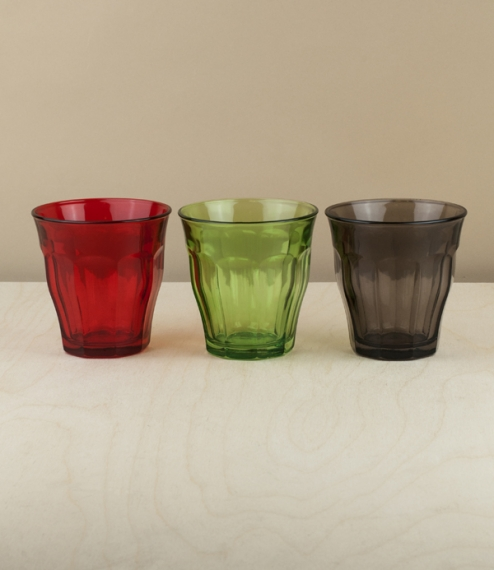 Individualy sold intensely coloured 25cl versions of the classic Duralex tumblers. Designed in 1927 and produced since 1945 using Saint-Gobain's paten..