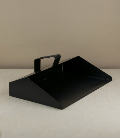 A strong black powder coated steel dustpan with a loop handle designed for single handed use. Made in Poland from 3 pieces of crisply folded and spot ..