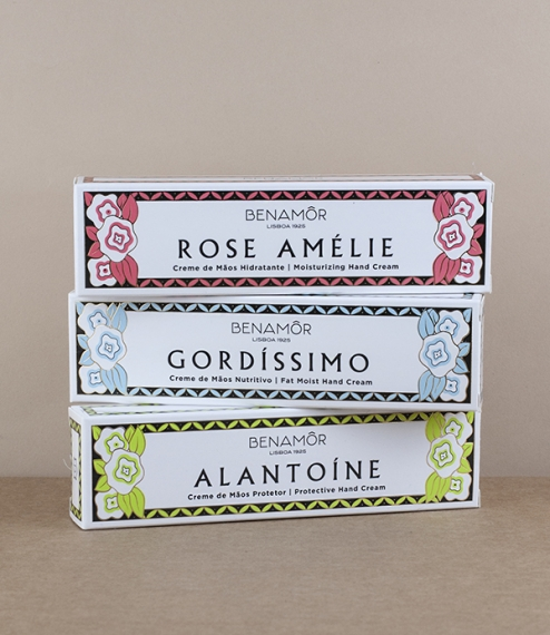 A choice of Gordissimo (a highly moisturising cream with a shea butter base), Rose Amélie (with glycerine, coconut, argan, and rose oils - made as a t..