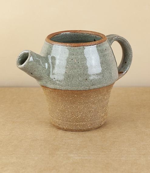 Spouted jug, Jack Welbourne