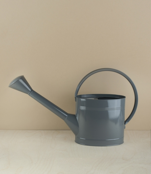 A loop handled 5 litre watering can ideal for general use in the garden. Heavy galvanised and powder coated steel. Established in 1730, Burgon & B..