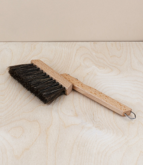 A small oiled beech and brown horsehair dusting brush for sweeping spilt coffee grounds and other detritus from coffee machines and worktops. With a s..