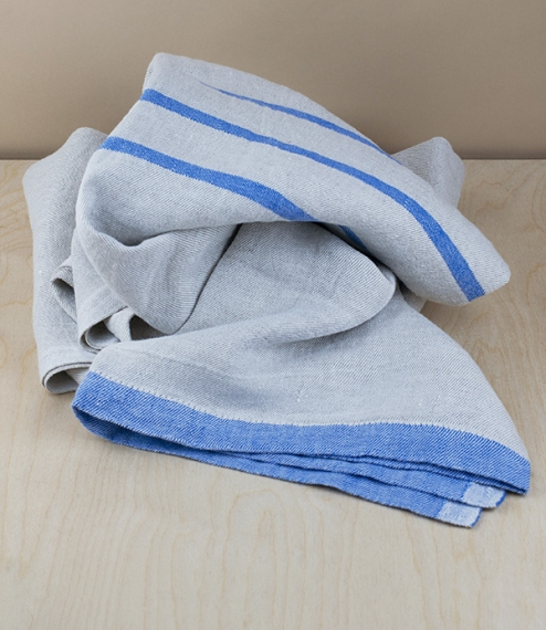 A generously proportioned, 100% linen flat woven summer towel, woven by the master weavers at Lapuan Kankurit, in the Ostrobothnian district of wester..