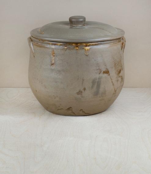 Portuguese terracotta large soup pot with lid