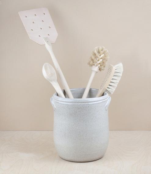 Portuguese terracotta utensil pot