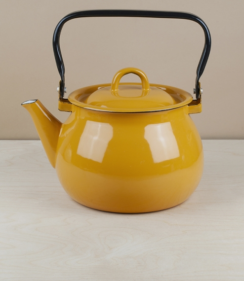 Ukrainian enamel kettle, 2 litres, yellow