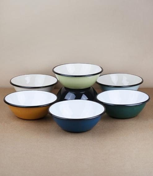 Ukrainian enamel bowls – 15cm diameter