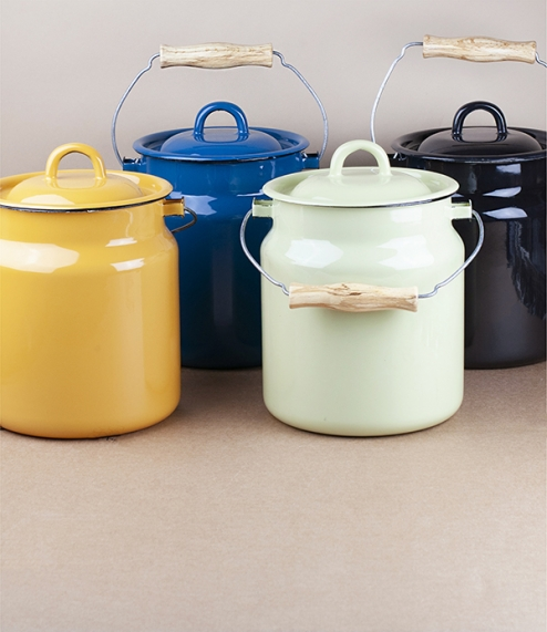 About 2.5 litre, 15cm diameter and 20cm high lidded milk cans or kitchen caddies from Ukraine, useful for storage, fermenting, or holding compostable ..
