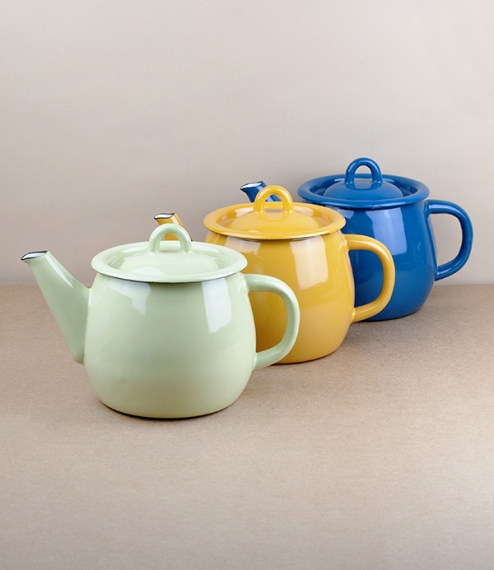 A choice of various coloured vitreous ceramic enamel teapots of approximately 1 litre, or more traditionally 6 cups capacity. Firing in a traditional ..