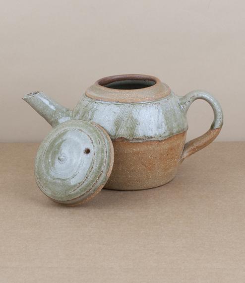 Jack Welbourne teapots