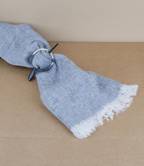 Horn scarf clip