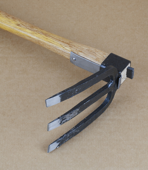 Japanese forked hand hoe