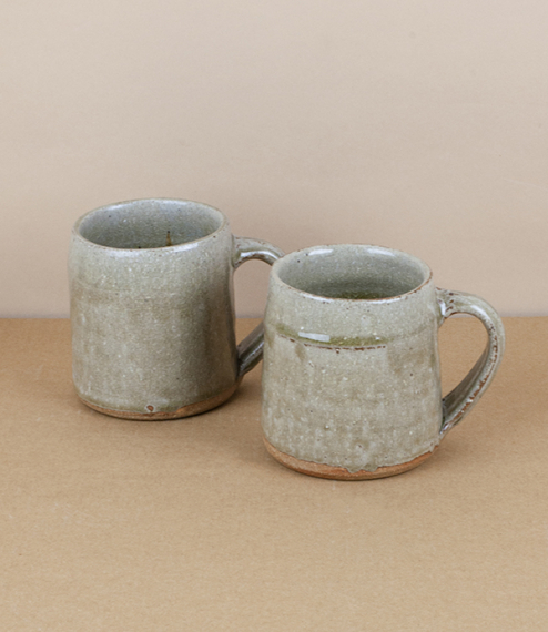 A simple rustic mug, the simple form has a characteristic low rim designed to create a ridge for Jack's beautiful crackled glaze to form upon. After t..