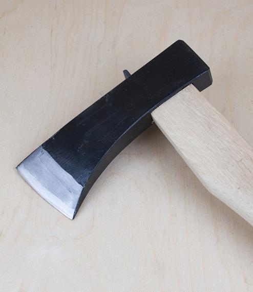 Kiwari ono, a Japanese wood-splitting axe