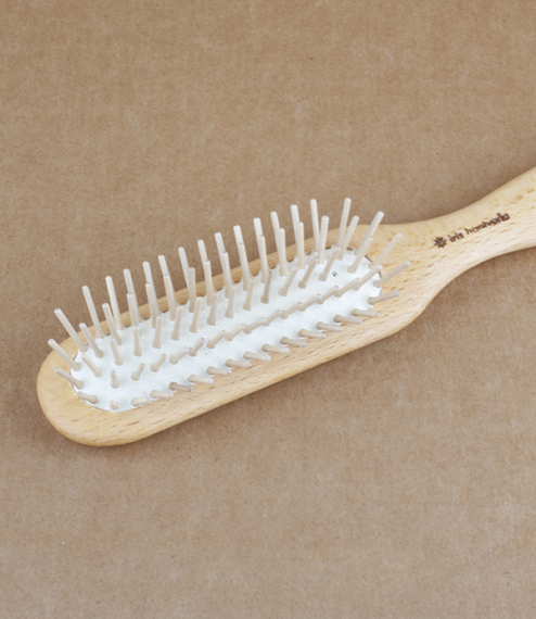 Swedish hairbrush with wooden pins
