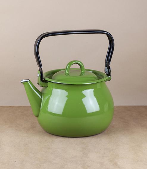 Ukrainian enamel kettle, 2 litres, grass green