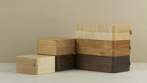 Light maple, red cherry, or deep brown walnut butter cases developed by Oji Masanori in collaboration with the workshops of Takahashi Kougei, in Asahi..